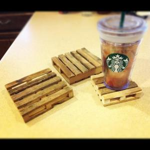 popsicle-sticks-hot-glue-gun-mini-pallet-coasters