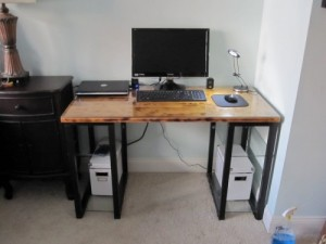 diy-industrial-desks-you-can-make5-500x375